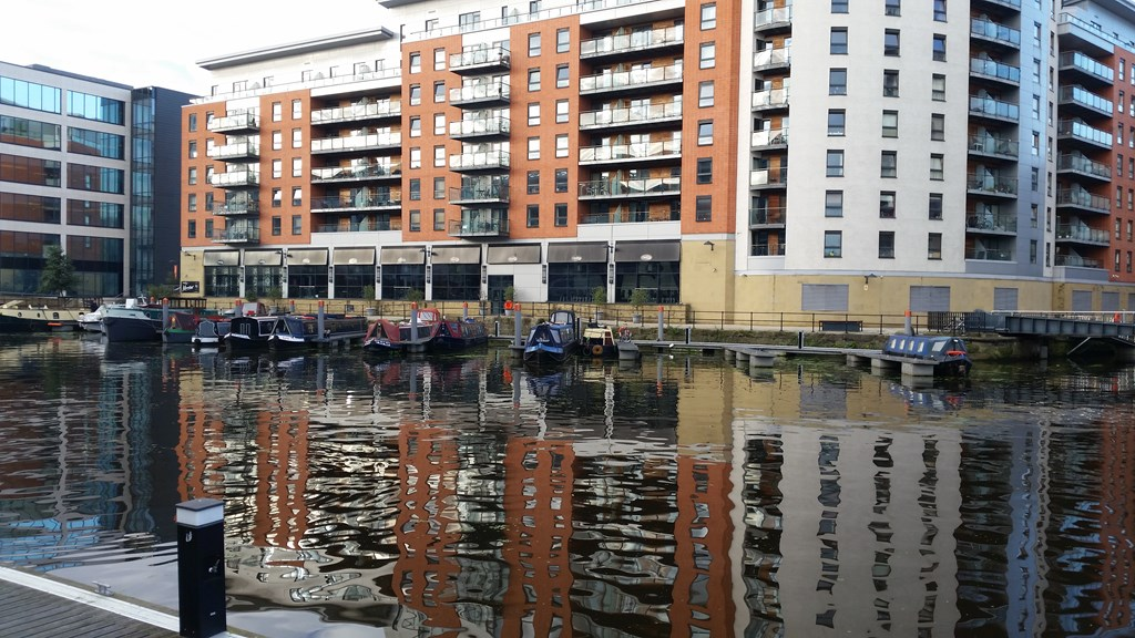 Moorings in Leeds!
