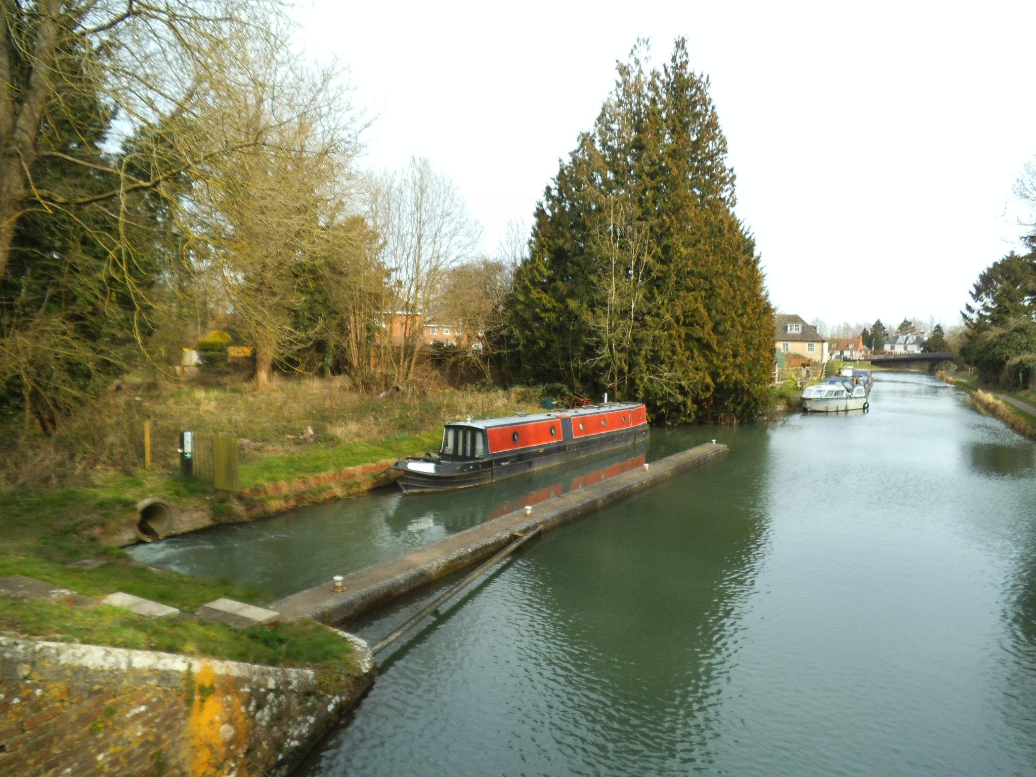 Water Pump Car >> Hungerford L1 :: Waterside Moorings