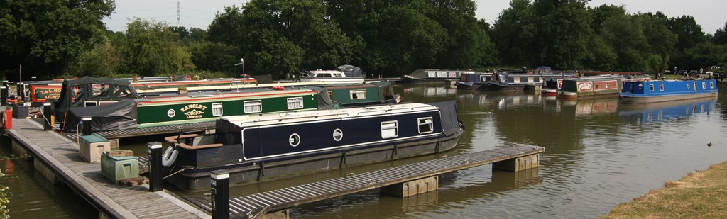 Kingswood Basin Leisure Pontoons